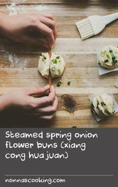 Steamed spring onion flower buns (xiang cong hua juan) | It's in the single digits here in Boston, and I am freezing. During times like these, I crave comfort food. I'm not talking about mac and cheese or lasagne, I mean Chinese comfort food, such as xiang cong hua juan. It literally translates to fragrant spring onion flower buns, but they are also known as steamed spring onion buns. This is an easy recipe and very, very satisfying. There are two ways you can shape the buns – one uses a… Steam Recipes, No Salt Recipes, Crab Recipes, Onion Recipes, Cheese Recipes, Onion Flower, Flower Bun, Steam Cake Recipe, Bun Recipe