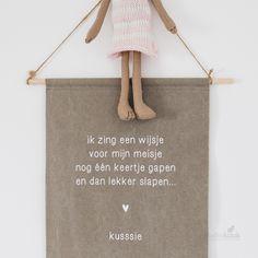 Babykamer meisje | Lief gedichtje voor het slapen gaan @zusss Kidsroom, Reusable Tote Bags, Parenting, Children, Babyshower, Happiness, Rainbow, Lifestyle, Bedroom Kids