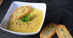 Zupa krem kalafiorowa posypana czarnym sezamem jest wyśmienita. Przekonaj się!