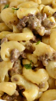 Instant Pot cheeseburger macaroni is homemade Hamburger Helper made with ground beef and pasta in a creamy cheese sauce. This quick and easy dinner is super kid friendly! Hamburger Mac And Cheese, Homemade Hamburger Helper, Hamburger Casserole, Chicken Casserole, Casserole Recipes, Instant Pot Pressure Cooker, Pressure Cooker Recipes, Pressure Cooking, Best Beef Recipes