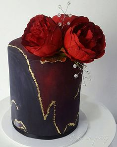 Red marble, such a gorgeous effect ❤❤❤ #cake_me_pretty #cake #instalove