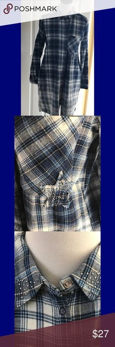 🆕 NWT Zara Fade to blue plaid tunic 💙 NWT Zara blue plaid tunic, with snap closure, silver studs on collar and breast pocket. Two slash pockets. 💯% cotton, machine wash, tumble dry low. Great paired with skinny jeans, jeggings, or leggings. Size M. MSRP 39.99 plus tax. Zara Tops Tunics