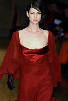 Laura Biagiotti Fall/Winter 2005 Milan Video gif of the runway HERE Laura Biagiotti, Caitriona Balfe, Celebs, Celebrities, Couture Fashion, Dress Fashion, Girl Crushes, Supermodels, Top Models
