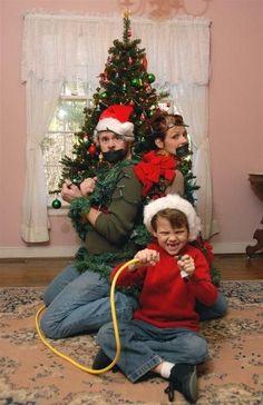 Funny Family Christmas Card Photos | funny family christmas card ideas with teens | Funny Christmas Card w ...