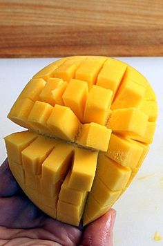 How to peel and cut a mango into cubes and slices