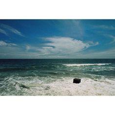 black box ◾️- check my blog with 35mm photos (link in info) #sea #srilanka #blue #35mm #istillshootfilm #filmisnotdead #black #box #adventure #vacation #surf #mystery #originalphotographers #tumblr #goodlife #chybamimore