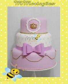 bolo de coroa feito em e.v.a