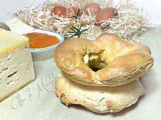 La ciambella strozzosa viene preparata la mattina di pasqua, per la colazione salata con salame, formaggio e uova. E' un dolce poco dolce, delle Marche.