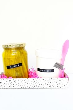 #diy gift for moms to be! pickles + ice cream, so cute!
