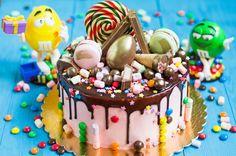 Торт на детский праздник Торт на день рождение #конфеты #сладости #детскийторт