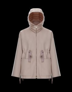 Moncler offers you a fine collection of clothing, down jackets and accessories for men women and kids. Discover more on the online store. Fashion 2018, New York Fashion, Womens Fashion, Fashion Trends, Coats For Women, Jackets For Women, Clothes For Women, Women's Jackets, Stylish Jackets