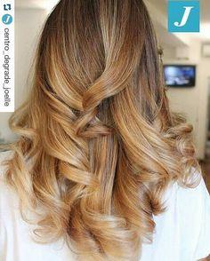 Ad ogni donna il suo Degradé Joelle! #cdj #degradejoelle #tagliopuntearia #degradé #igers #musthave #hair #hairstyle #haircolour #longhair #oodt #hairfashion #madeinitaly #workhairstudiovittorio&tiziana #roma #eur