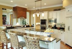 Antique white kitchen backsplash ideas dark wood floors kitchen ideas what color granite with white cabinets . Rustic Kitchen Design, Luxury Kitchen Design, Luxury Kitchens, Kitchen Layout, Interior Design Kitchen, Kitchen Ideas, Kitchen Designs, Dream Kitchens, Remodeled Kitchens