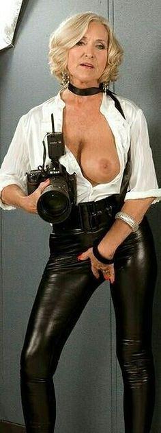 Frauen Leder nackt Reife Granny Leder