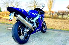 Yamaha YZF R1 with BOS exhaust