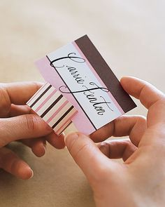 DIY tutorial - striped place cards (like the idea of the card base (easy DIY)