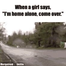 eat alone home gif ile ilgili görsel sonucu