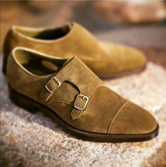 Mocassins double boucle en veau velours couleur gold  style  menstyle   menshoes  shoes. Belle ChaussureChaussures HommeVeloursBottinesLooks ... 8db5fe29065