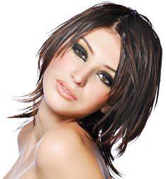 Google Image Result for http://3.bp.blogspot.com/_tI_oNL70Rp8/TPUFUDEDmRI/AAAAAAAAAHo/5F6hYT7dSIg/s320/Round-Face-Haircuts.jpg