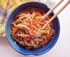 Poppytalk: A Simple Addiction: Spicy Garlic-Ginger Noodles