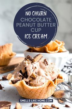 For the chocolate peanut butter lovers in your life, this ice cream is utterly delicious and easy to make without the need for an ice cream maker. Best Peanut Butter, Chocolate Peanut Butter Cups, Chocolate Sweets, Peanut Butter Cookie Recipe, Peanut Butter Recipes, Chocolate Peanuts, Chocolate Recipes, Easy Cheesecake Recipes, Dessert Recipes