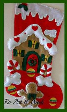 Felt Christmas Stockings, Christmas Stocking Pattern, Felt Christmas Decorations, Christmas Sewing, Christmas Love, Diy Christmas Ornaments, Handmade Christmas, Holiday Crafts, Christmas Wreaths