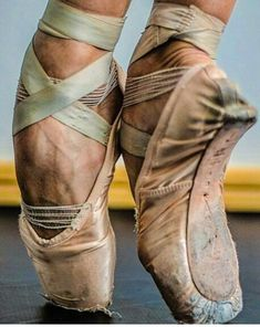 Ballet Pictorial - Hard work is beautiful - Dancers Feet, Ballet Feet, Ballet Dancers, Ballerinas, Dance Photos, Dance Pictures, Pointe Shoes, Ballet Shoes, Ballet Photography