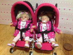 ooak bébé fille & soeur avec double échelle de 1/12ème buggy