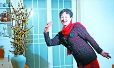 Chinese Woman Spends 11 Years Knitting Her Husband a Coat and Hat Out of Her Own Hair - http://heywtfnews.com/2014/02/02/the-daily-wtf/chinese-woman-spends-11-years-knitting-her-husband-a-coat-and-hat-out-of-her-own-hair/