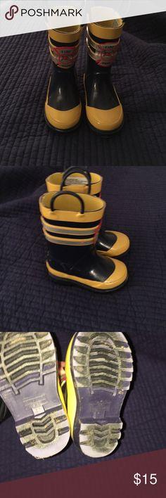 carter's Fireman Rain Boot (Toddler/Little Kid), Yellow/Grey, 10 M ...