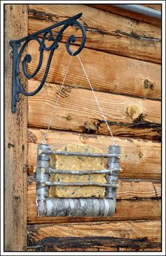 My Country Blog of This and That: Rustic Suet Feeder #2