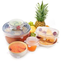 Save the earth and eliminate plastic wrap from reaching our oceans! With these reusable container lids, you'll never need plastic wraps for storing food again.This kit will ensure you can give any container in your home an airtight sea. Plastic Wrap, Plastic Waste, Hair Removal Spray, Tapas, Plat Simple, Waste Container, Yogurt Cups, Micro Onde, Glass Containers