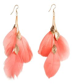 Earrings wih coral feathers and metal leafs