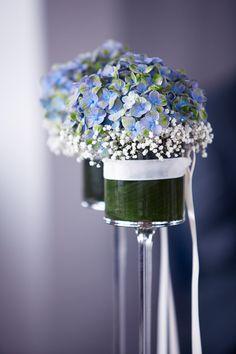 blue flowers ceremony  - Dekoration mit blauen Hortensien