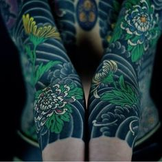 """horimono-irezumi: """" Reblog this image and allow other people to look at this art, have a good karma. """""""