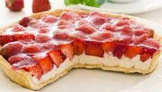 Σπιτική τάρτα με κρέμα φρέσκου τυριού και φράουλες