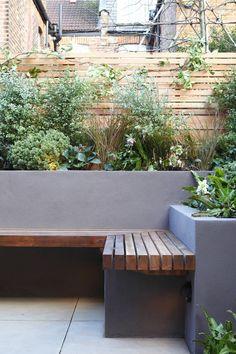 Garden seating. Rendered wall. Fence - Garden Sensations
