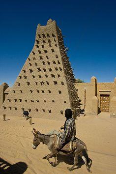 Sankore mosque in Timbuktu Timbuktu Mali, Indian Architecture, Beautiful Mosques, Magic Carpet,