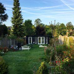 Beautiful start to the day.very long to do list this week, so better get cracking! Rooms, Day, Garden, Instagram Posts, Plants, Beautiful, Bedrooms, Garten, Gardening