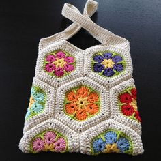 mamatha's African Flower Hexagon Bag – Granny Square Hexagon Pattern, Granny Square Crochet Pattern, Crochet Squares, Crochet Granny, Crochet Blocks, Blanket Crochet, Crochet Tote, Crochet Handbags, Crochet Purses