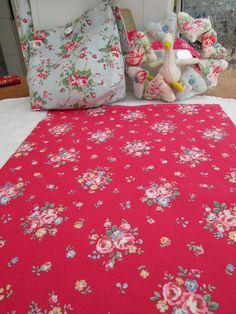 BN Very Lovely Cath Kidston Cotton Duck Remnant In Red  Notting Hill Rose
