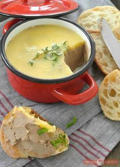 chicken liver pate starvingchef {organic chicken liver pâté with brandy & fresh herbs}[gluten free] Hungarian Sausage Recipe, Hungarian Recipes, Chicken Liver Pate, Chicken Livers, Hungarian Cuisine, Good Food, Yummy Food, Organic Chicken, Cooking Recipes