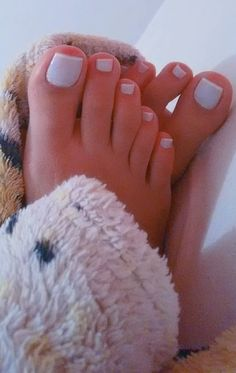 Toe Nails White, White Toes, Beautiful Toes, Pretty Toes, Foot Toe, Sexy Toes, Women's Feet, Sensual, Pedicure