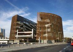 Barcelona Biomedical Research Park / Manel Brullet +  Albert de Pineda