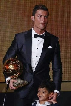 Cristiano Ronaldo & his son Cristiano jr. Cristiano Ronaldo 7, Christano Ronaldo, Cristiano Ronaldo Wallpapers, Real Madrid, Fifa, Cr7 Jr, Ronaldo Quotes, Good Soccer Players, Football Players