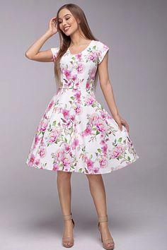 Nádherné šaty, které můžete vzít na svatbu, na zahradní párty, na večírek, do tanečních nebo ve všední den a všude budete IN. Bílý podklad jemnými růžovými květy, decentní výstřih, krátký rukáv, sukně rozšířená do A, boční kapsy, zapínání na zip v zadní části. Můžete doplnit spodničkou z naší nabídky. Materiál 95% polyester, 5% elastan. Party, Zip, Vintage, Style, Products, Fashion, Swag, Moda, Fashion Styles