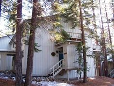 South Lake Tahoe, CA: Stay in the exclusive North Shore community known as Incline Village when you choose this spacious 1380 square-foot townhouse. Optimally located betwe...