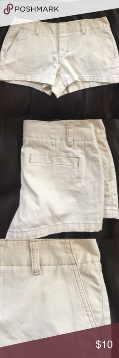 Express khaki shorts Express khaki shorts. Size 6. Some stretch to them. One back pocket two front pockets. Express Shorts
