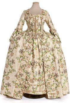 Robe à la Française | France | 1760 | gros de Tours silk | Les Arts Décoratifs | Inventory #: 49-32-3.AB
