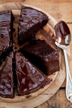 Ciasto czekoladowe dla alergika Bez masła, mleka, jajek, bez użycia miksera.